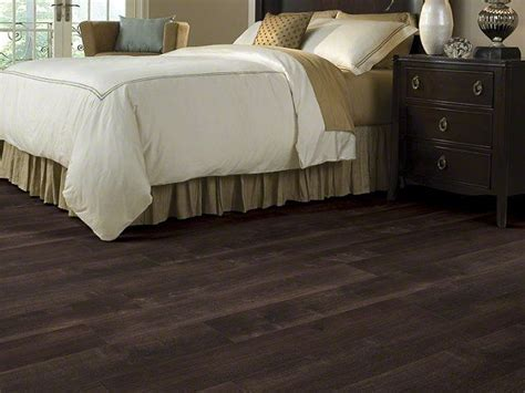 this is the new SHAW vinyl plank interlock flooring at