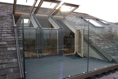 tetto terrazzo un balcone nel tetto