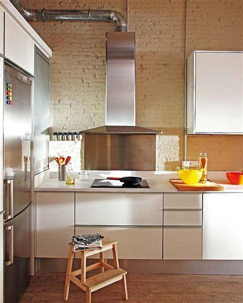 Deco Cuisine Appartement Un Petit Appartement Moderne Aux Couleurs Vives 224 Barcelone