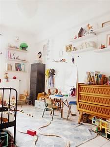 Lit Enfant Vintage : chambre d 39 enfant monochrome blanche ~ Teatrodelosmanantiales.com Idées de Décoration