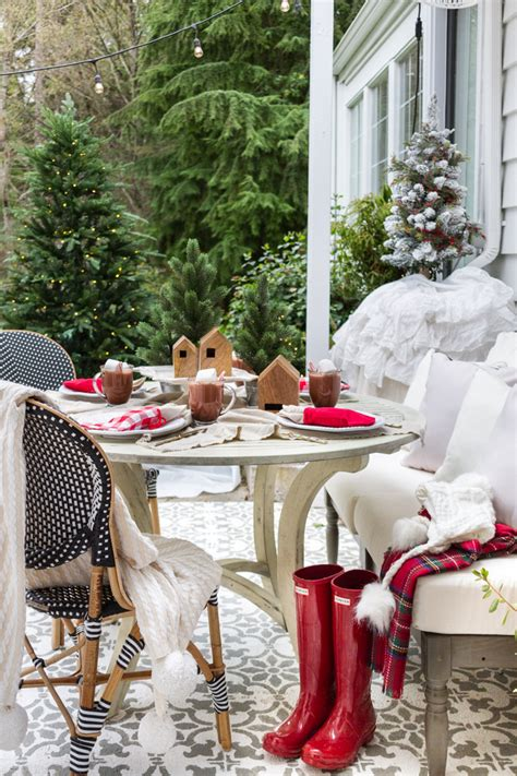simple outdoor christmas table decorating  christmas
