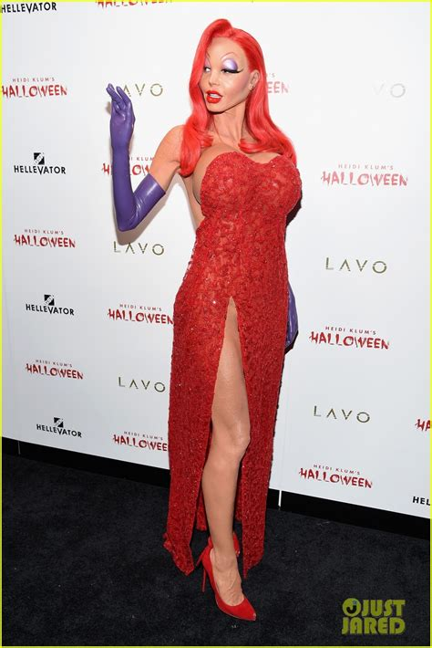 Halloween Heidi Klum Jessica Rabbit by Heidi Klum Transforms Into Jessica Rabbit For Halloween