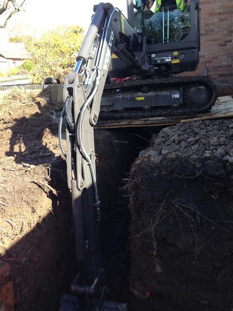 excavator hire  kg volvo ec