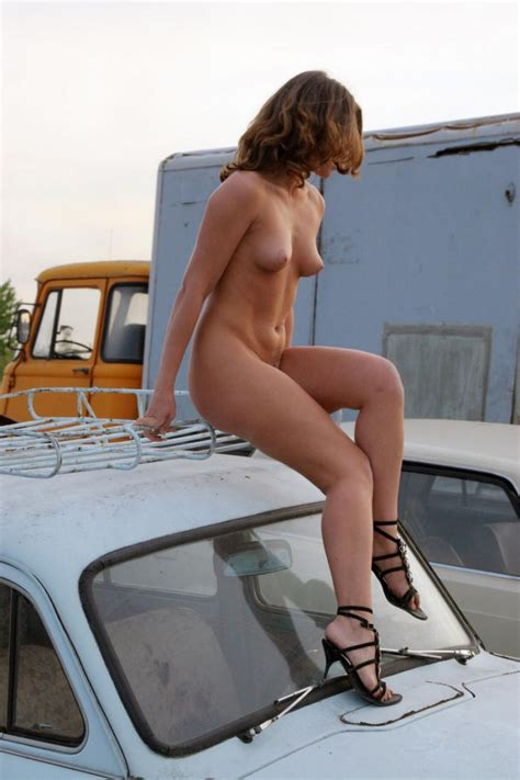 Naked Girl Oksana E In The Dump Of Old Cars Russian Sexy Girls