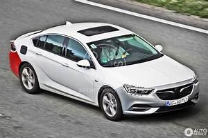 Opel Insignia 2017 : opel insignia 2017 5 april 2017 autogespot ~ Medecine-chirurgie-esthetiques.com Avis de Voitures