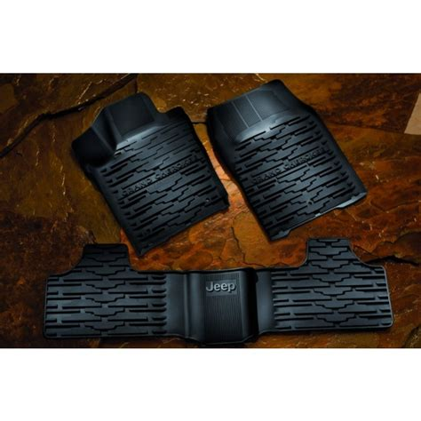 Jeep Commander Floor Mats Uk by Buy Jeep Grand Rubber Mats The Official Jeep