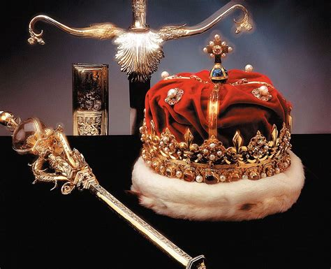 Scottish Crown Jewels's history starts in Rome