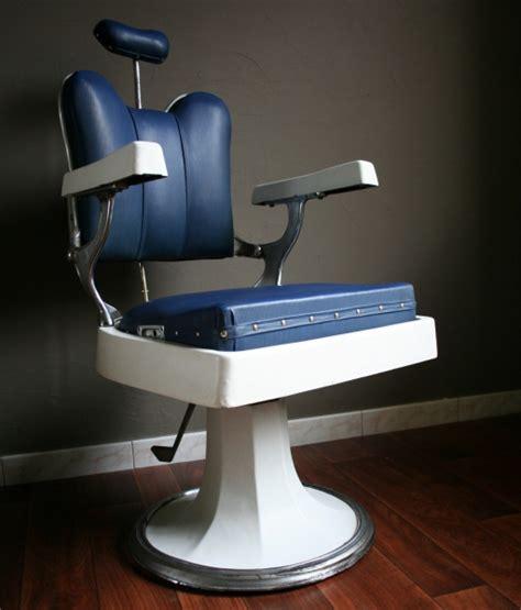 siege barbier fauteuil de coiffeur ancien fauteuil design