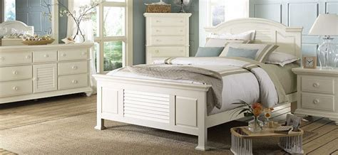 Pleasant Isle Bedroom Collection by BROYHILL shop Hickory