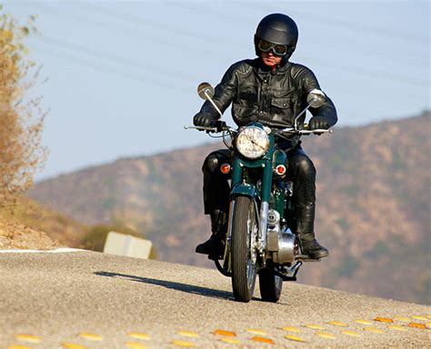How To Practice Safe Motorcycle Driving