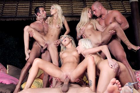 Orgy With 4 Blondes Spicyhardcore