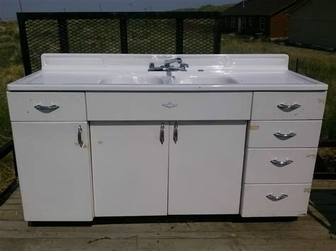 Youngstown Kitchens By Mullins  Kitchen Sink And Cabinet