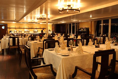 restaurants furniture in dubai across uae call 0566 00 9626