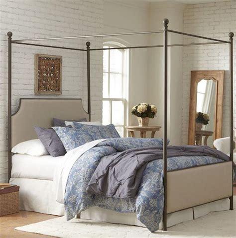 small fisrt apartment bedroom decorating ideas