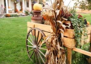 Fall Wagon Decorations by How To Decorate With Wagon Wheels