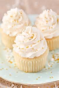 moist vanilla cupcakes and sugar