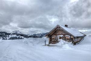winter snow chalet cool mountain house winter snow hut ...
