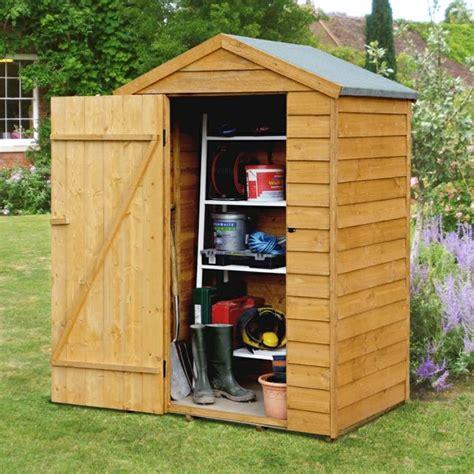 mini cuisine en bois cabane de jardin en bois un abri esthétique