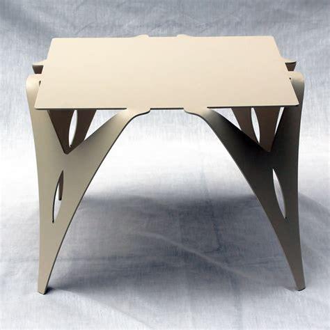 table bout de canapé design bout de canapé table de chevet design moderne métal
