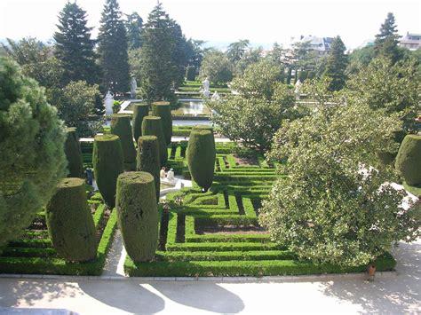 Sabatini Gardens by File Jardines De Sabatini Madrid 01 Jpg Wikimedia Commons