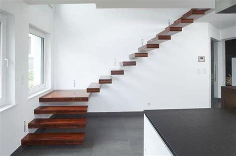 escalier quart tournant structure en bois suspendu sans contremarche nevio 174 novum design