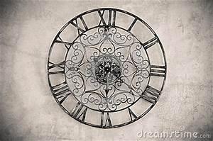 Uhr Römische Zahlen : uhr mit r mischen zahlen stockfotos bild 36545793 ~ Orissabook.com Haus und Dekorationen