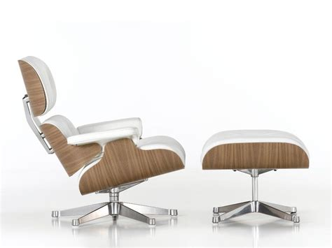 Poltrona In Pelle Lounge Chair By Vitra Design Charles