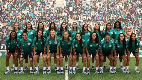 Palmeiras apresenta equipe feminina de futebol para ...