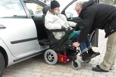 largeur d une chaise roulante caronygo combinaison chaise roulante chaise tournante