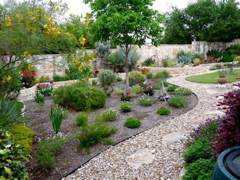 giardini con ghiaia granulati da giardino tipi di giardini granulati per