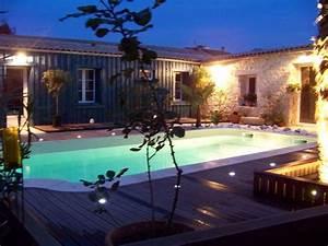 Eclairage Piscine Bois : clairage piscine et jardin electricit lucelec 17 ~ Edinachiropracticcenter.com Idées de Décoration