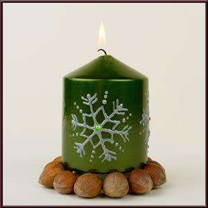 farben für kerzen bemalen diy geschenkidee basteln f 252 r weihnachten bastelidee kerze bemalen basteln mit dem