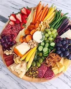 Idée Repas Soirée : pingl par mon carnet d co sur inspiration food pinterest buffet salade pr sentation ~ Melissatoandfro.com Idées de Décoration