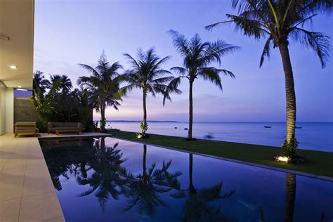 luxury villas capture  amazing vietnamese ocean views