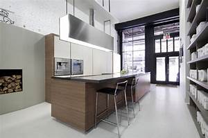 Kitchen showrooms pedini kitchen showroom new york city for Kitchen furniture new york city