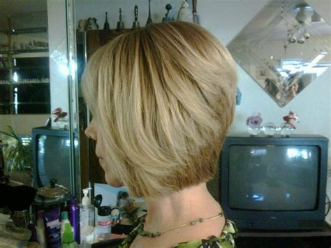 Graduated Bob Haircut Front And Back Views Short Hairstyle