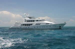 14239 Luxury Motoryacht LADY BEE Tantalizing In The