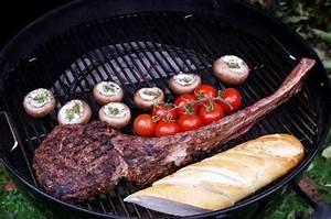 Richtig Grillen Mit Kugelgrill : tomahawk steak grillen so wird 39 s richtig gut ~ Bigdaddyawards.com Haus und Dekorationen