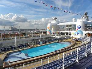 Oasis of the Seas Outdoors   Royal caribbean oasis, Oasis ...