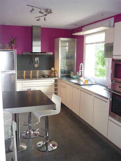 peinture pour la cuisine cuisine noir mat et bois