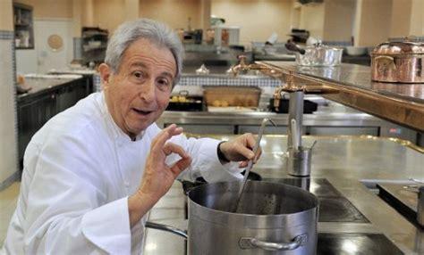 la cuisine de michel le chef étoilé michel guérard veut apprendre la diététique