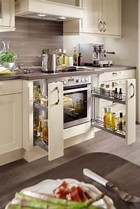 Küche Mit Apothekerschrank : landhaus einbauk che norina 7365 magnolia k chenquelle ~ Frokenaadalensverden.com Haus und Dekorationen