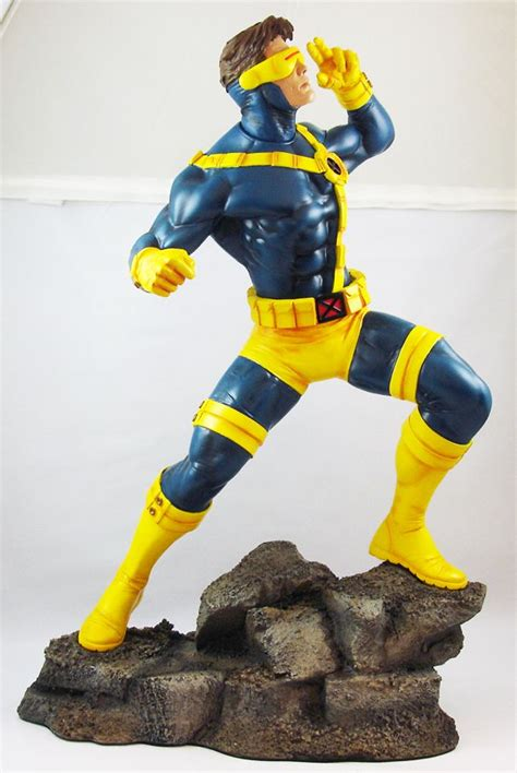 Sideshow Collectibles - Marvel Super Heroes Statue ...