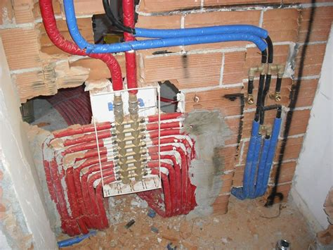 tipi di riscaldamento a pavimento impianto di riscaldamento termosifoni scelta