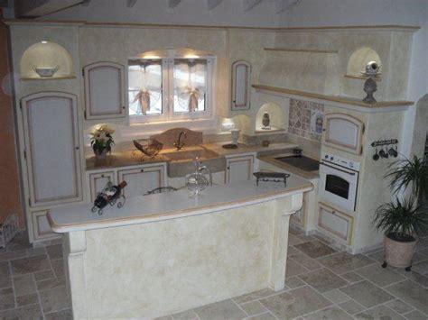 cuisine provencale avec ilot cuisine provençale plan de travail ilot central