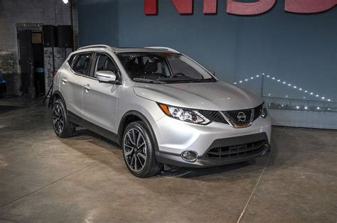 2019 Nissan Rogue Sv Review Pictures Spirotourscom
