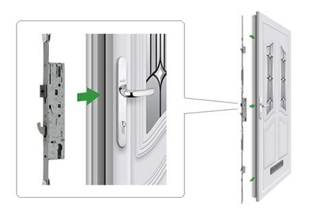 Lever Door Handle Fp03h139 (key Type)