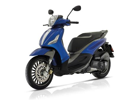Review Piaggio Beverly by 2017 Piaggio Beverly 300s Review