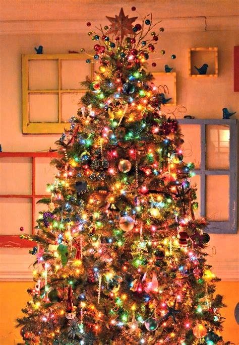 mixing white and colored lights on tree white christmas tree with colored lights ls ideas