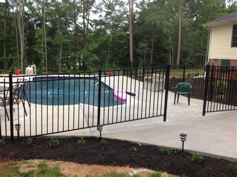pool fence  privacy fence installer located  richmond